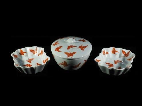 ポルトガル、蝶紋様蓋物(13.3x10.8cm)・皿(12.3x9cm)