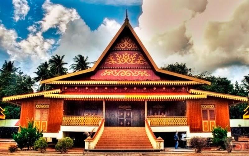 10 Macam Rumah Adat Sumatera Dilengkapi Gambar Dan Penjelasan