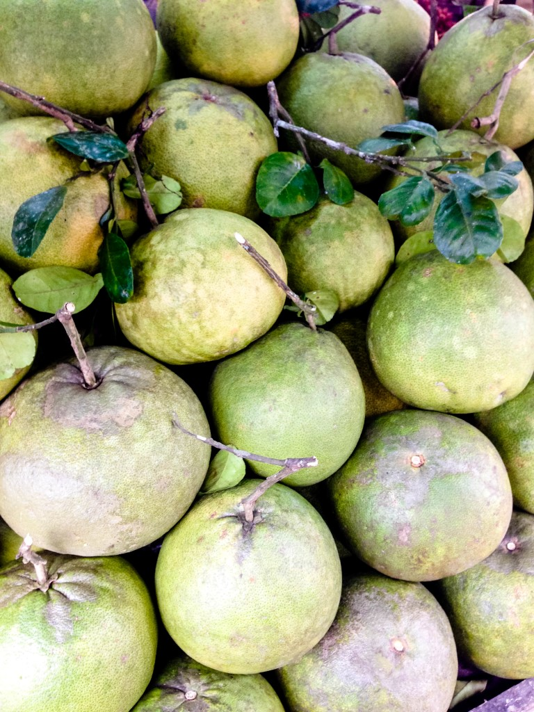 Pomelo-Exotische-Früchte-in-Thailand-18-Sorten-die-man-probieren-muss-59