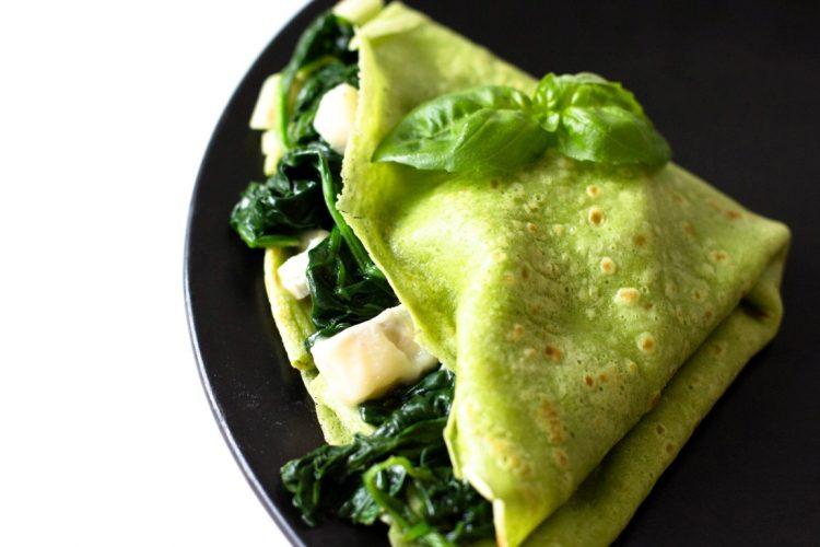 Basilikum-Grüne-Pfannkuchen-mit-Spinat und-Gorgonzolla-Rezept-13
