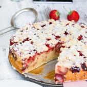 Joghurtkuchen mit Erdbeeren und Streusel