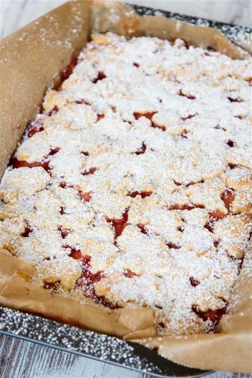 Quarkkuchen-mit-Erdbeeren-und-Streusel-Rezept-05