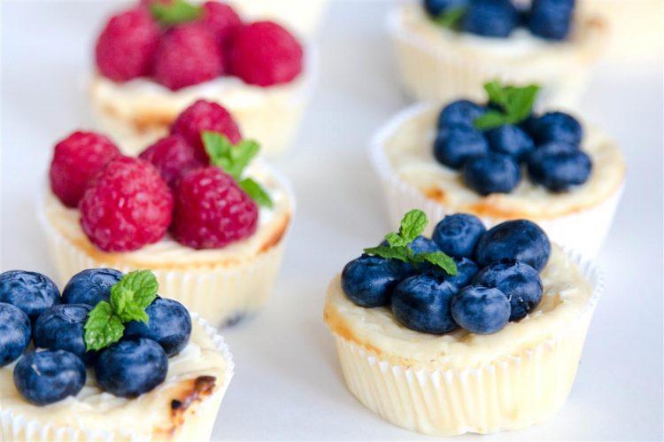 Quarkmuffins-mit-Oreoboden-und-Früchten-Rezept-05