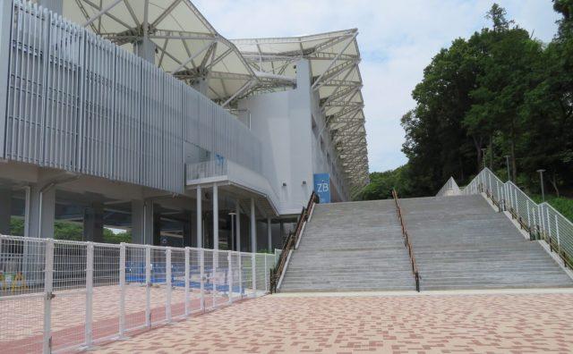 町田GIONスタジアム 町田ギオンスタジアム 改修 座席 バックスタンド 屋根