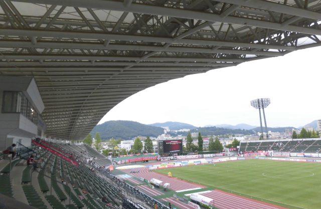シティライトスタジアム 屋根 ファジアーノ岡山 メインスタンド