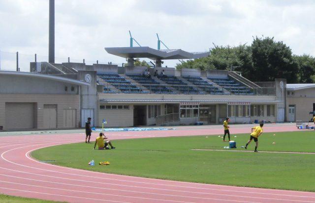 河内総合運動公園陸上競技場 栃木SC 座席 屋根
