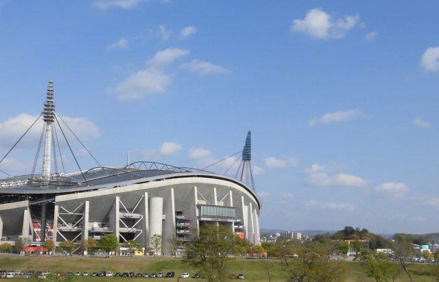 豊田スタジアム カッコイイ かっこいい 屋根 外観