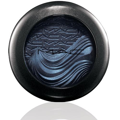 mac in extra dimension eyeshadow lunar