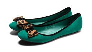 Aren't these green footwear too irresistible? (Image via Pinterest)