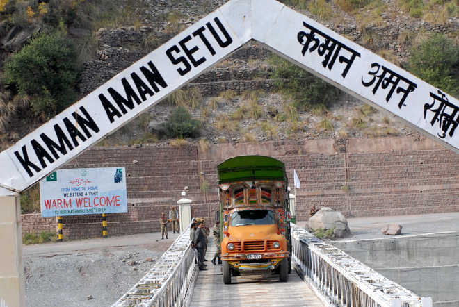 Cross LOC trade suspended over border shelling