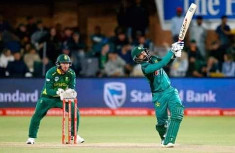Hafeez stars as Pakistan beat South Africa by 5 wickets in first ODI