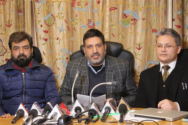 Shimla incident:Awaiting probe report: HP Chief Minister; DGP Assures Action: 'All Kashmiris safe'