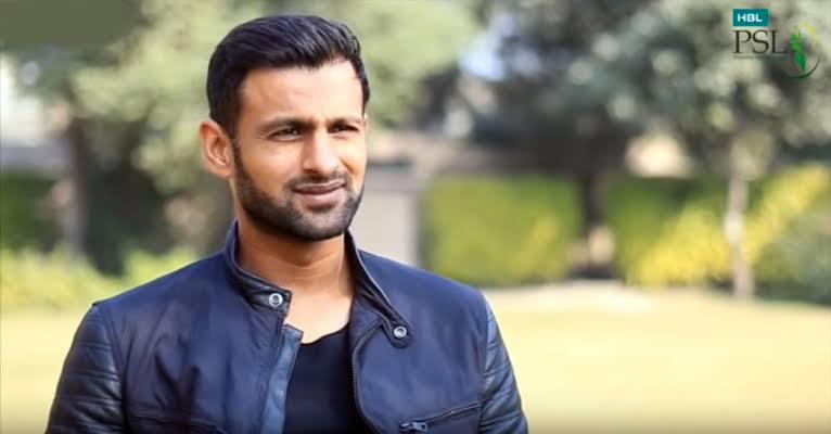 Pakistan cricketer Shoaib Malik survives car crash