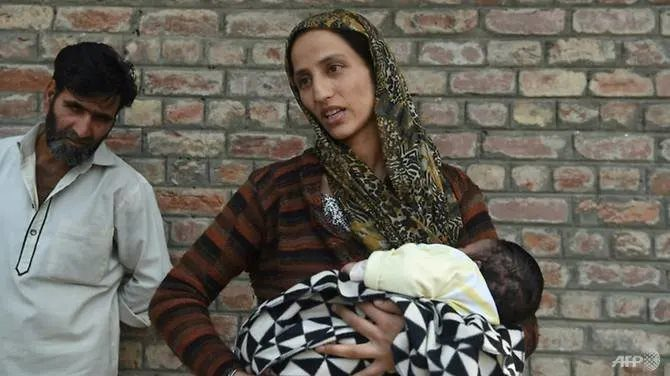 Teens swept up in night raids in Kashmir clampdown