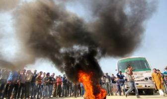 People burned tyres in protest to the LPG crisis in the valley-Photo:Bilal Bahadur