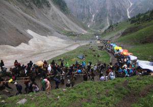 Yatris Treking Amarnath Hill