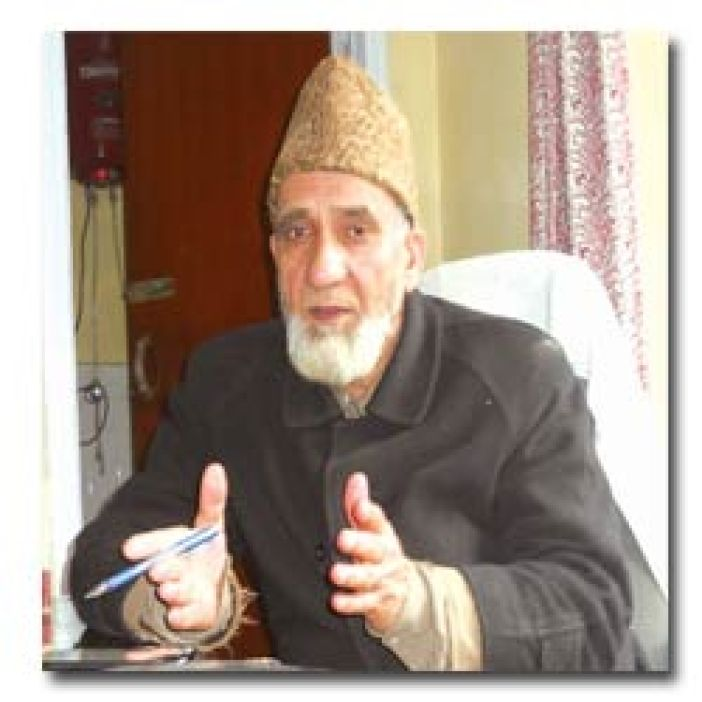 Mohammad Aldullah Wani, president(Ameer) of Jamaat-e-Islami ans the former administrator of Jamait-ul-Banat, Lal Bazar