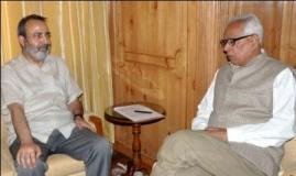 Chief Secretary, Mr. Mohammad Iqbal Khandey calls on Governor, Mr. N. N. Vohra at Raj Bhavan Srinagar-24