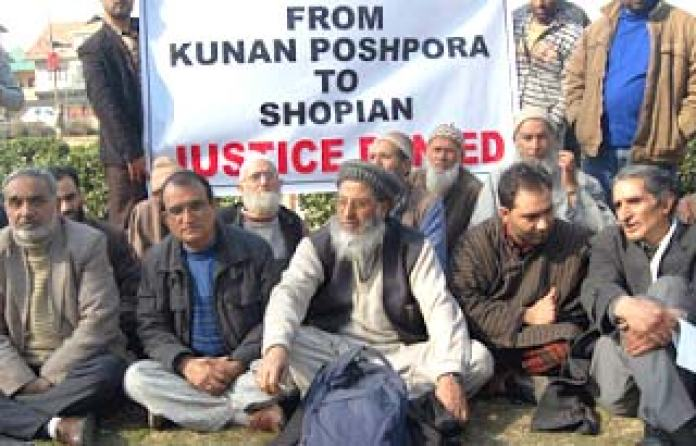 protest-on-kunan-poshpora-and-shopian-cases