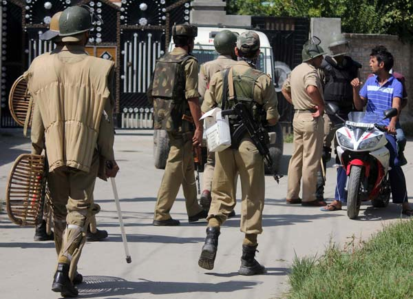 Inquiring Identity: And soon, it was back to square one. Cops stationed outside Hurriyat chairman's residence swung into action and start scanning, as usual.