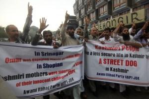 ER Rashid protesting against the Shopian killings. Photo: Bilal Bahadur