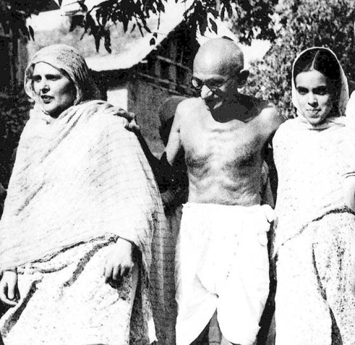 Mahatama Gandhi in Srinagar with Begum Akbar Jehan and her daughter Khalida Shah