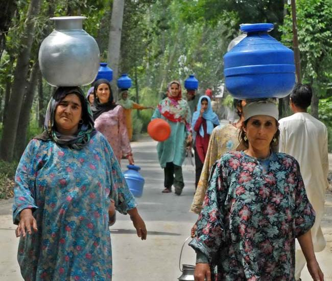 Unison Souls: Apart from agriculture that keeps villagers busy in this part of Kashmir, it is their quest for clean drinking water that has now became their prime occupation.