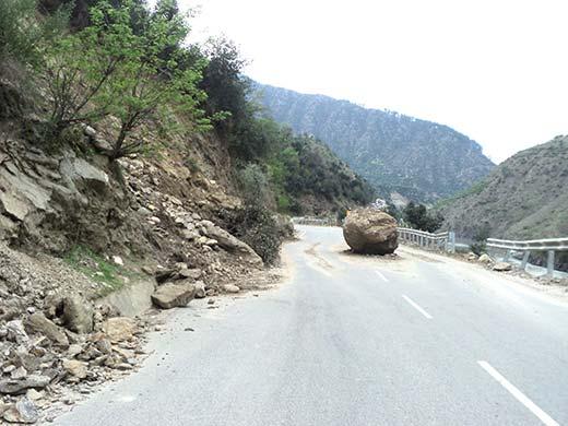 Doda-Batote road hit by roadblock Pic: Bilal Handoo