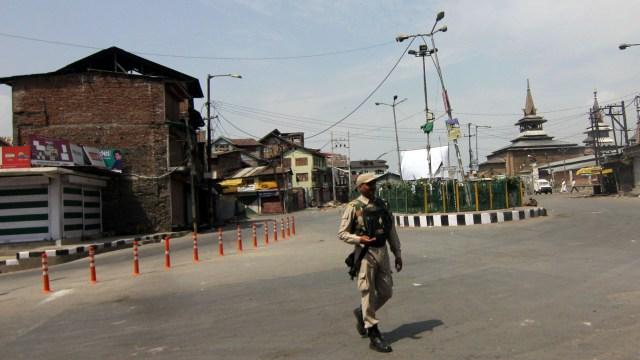 A deserted view of Old Srinagar City. (Pic: Bilal Bahadur)