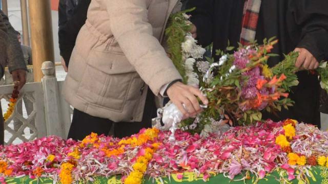 Omar AT Sheikh's graveyard (2)