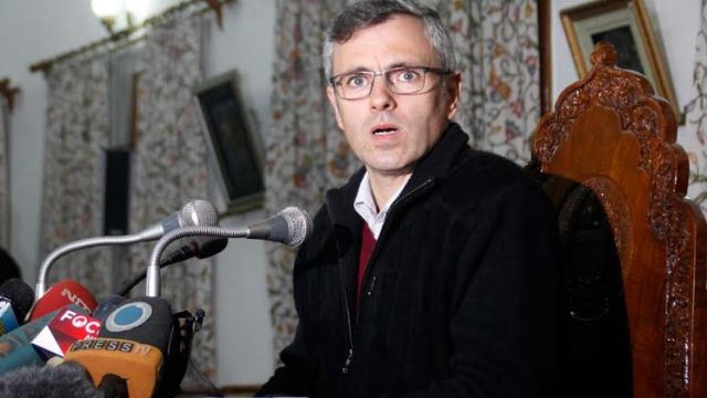Omar Abdullah addressing his last press conference as J&K CM in Srinagar on Monday, a day before ballot is counted for recently held elections. (Pic: Bilal Bahadur)