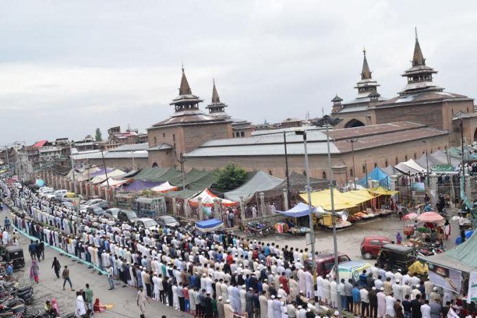 Prayers @ Jamia Masjid