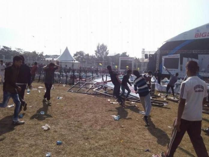 After the Marathon was done, protestors vandalized the stage and held anti-India protest.