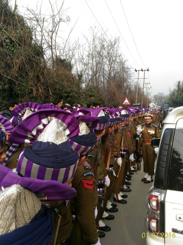 Guard of Honour in respect of late CM Mufti Mohammad Sayeed at Fairview residence her.