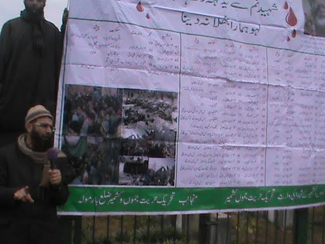 Geelani led Tehreek-e-Hurriyat organized a program to commemorate 06 January 1993 Sopore massacre today at Apple town.