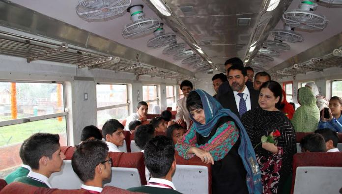 CM Mehbooba Mufti talking to students in a special train launched on May 05, 2016