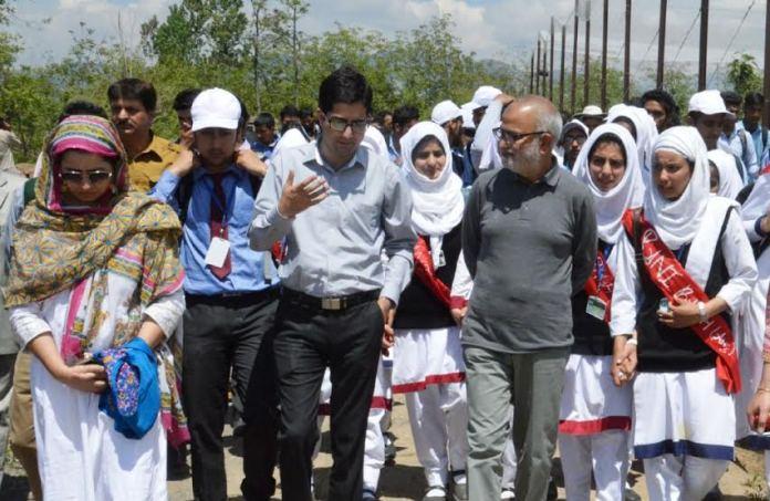 Naeem Akhtar in Islamabad on May 07, 2016 1