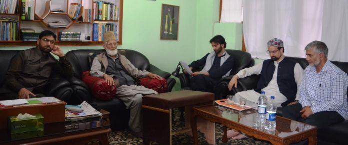 Syed Ali Geelani, Yasin Malik, Mirwaiz Umar Farooq at Hyderpora on May 23, 2016 to discuss issues