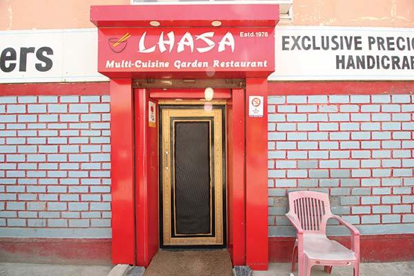 Lhasa-Resturant---Momo-House-Srinagar