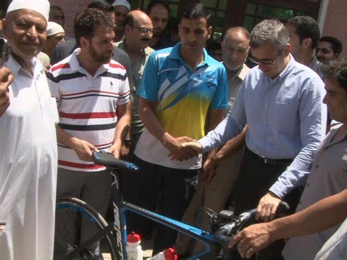 Omar donated Cycle to Akbar Khan