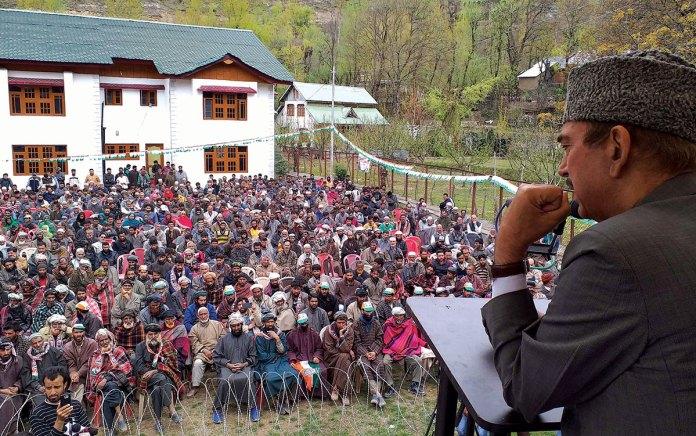 Ghulam Nabi Azad adressing an election rally.