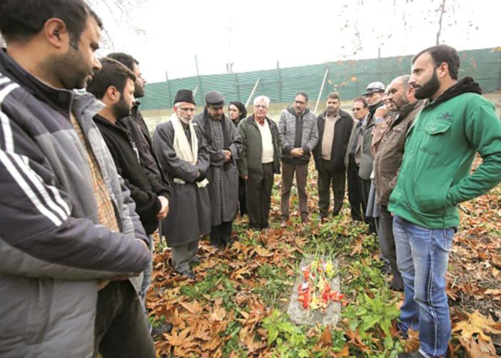 Kashmir civil society paying tributes to the British Kashmir martyr Robert Thrope in Srinagar's Christian cemetery.