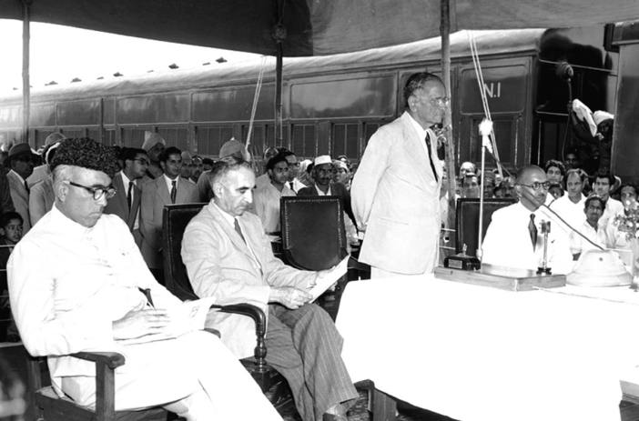 N Gopalaswami Ayyangar, Minister for Railways and Transport, opened the 27-mile-long Mukerian-Pathaknot broad-gauge railway line on the Northern Railway on April 07, 1952, thus bringing the Kashmir Valley 44 miles nearer to India. Photo shows Ayyangar adressing the gathering at a ceremony before declaring the new line open. (Image: Photo Division)