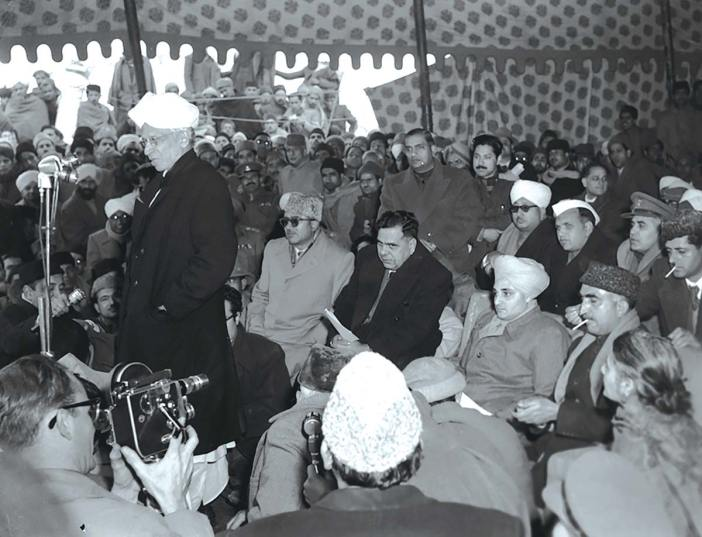 Vice President Dr S Radhakrishan flew to Jammu and then drive to Verinag on December 22, 1956, to declare the Western tube of the Banihal Tunnel open for light traffic. In the gathering are seen Sadar-i-riyasat, Yuvraj Sigh and Kashmir Prime Minister Bakshi Ghulam Mohammed (Image: Photo Division)