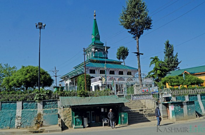 Syed Hassan Mantaqi shrine, Awantipora. KL Image: Bilal Bahadur
