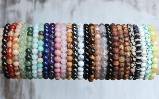 How Wearing Gemstone Bracelets Help You?