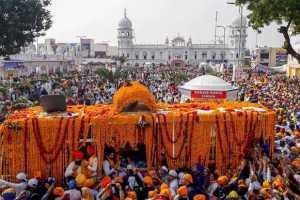 Sikh Pilgrims Celebrate 550 Birth Anniversary Of Guru Nanak In Pakistan