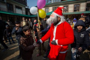 Christmas Celebrated With Religious Fervour In Kashmir