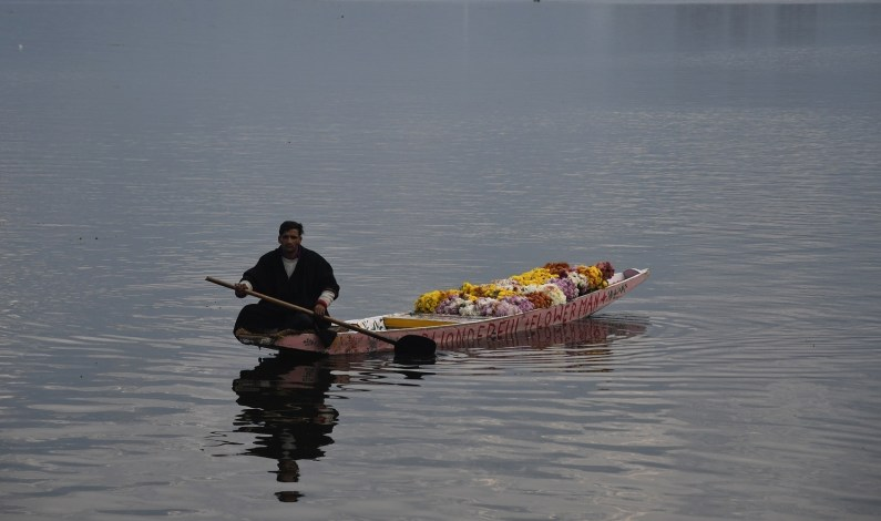 Sun Out After Coldest Night In Kashmir
