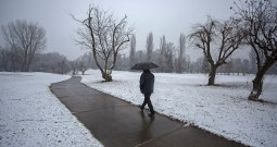 Snowfall In Few Areas Of Kashmir